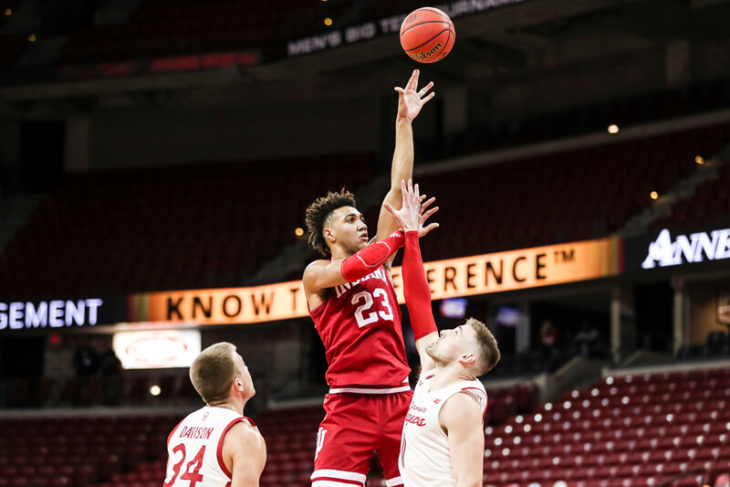 At the bell: Wisconsin 80, Indiana 73 - Inside Hall