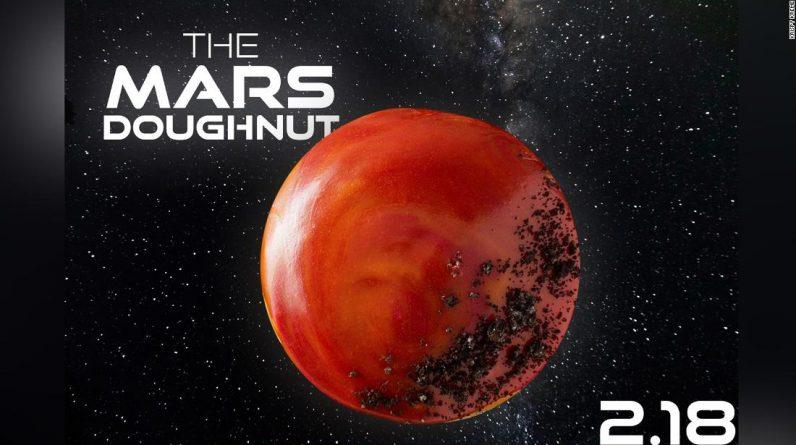 Krispy Kreme traz um donut de edição limitada de Marte para comemorar a aterrissagem do rover da NASA
