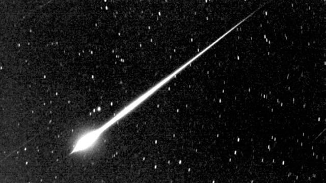 Câmeras de campainha e de painel do Reino Unido capturam o meteoro em vídeo