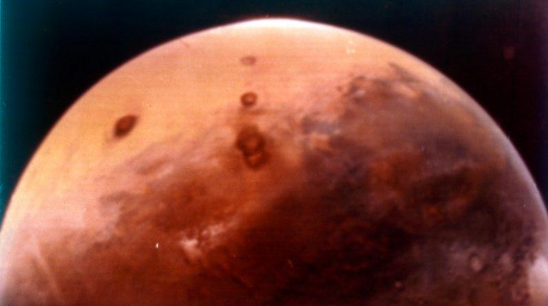 Revelando a primeira cidade sustentável em Marte até o ano 2100