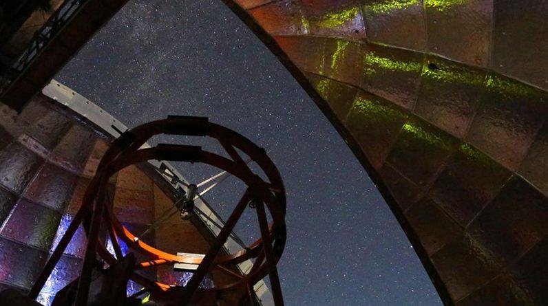 Um asteróide voando com segurança perto da Terra no domingo