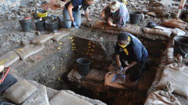 105.000 anos atrás, no deserto de Kalahari, as pessoas inventaram uma cultura complexa