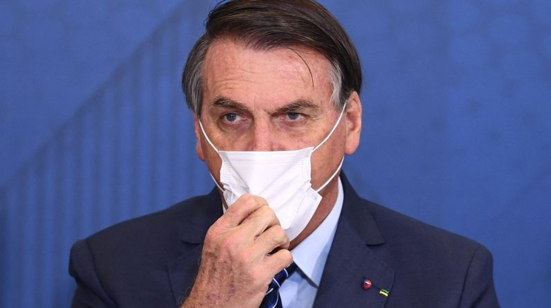 Brasil: ex-ministro da Saúde critica gestão de crise de Jair Bolsonaro