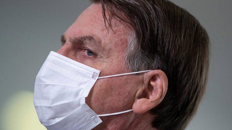 La réponse du président brésilien Jair Bolsonaro à la pandémie est de plus en plus contestée au Parlement et par la population (archives). © KEYSTONE/EPA/JOEDSON ALVES