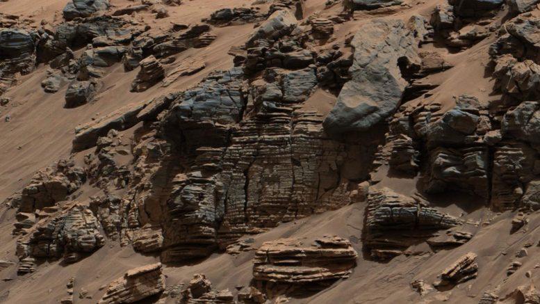 Mars Rover descasca camadas de um antigo lago marciano