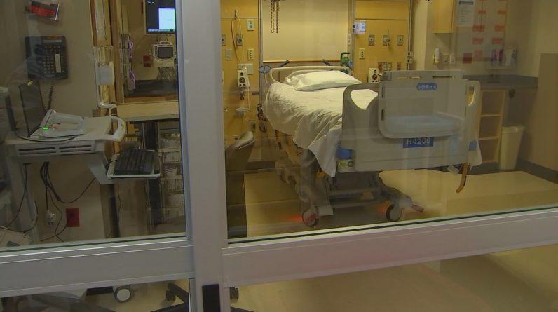 Nos casos de COVID-19, as hospitalizações continuam a aumentar de forma constante entre os residentes não vacinados do Norte do Texas