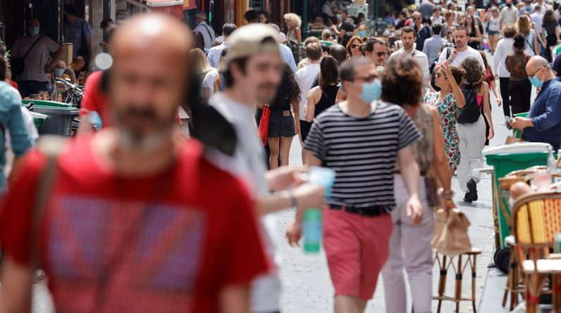 A França relata mais de 10.000 casos de coronavírus no terceiro dia
