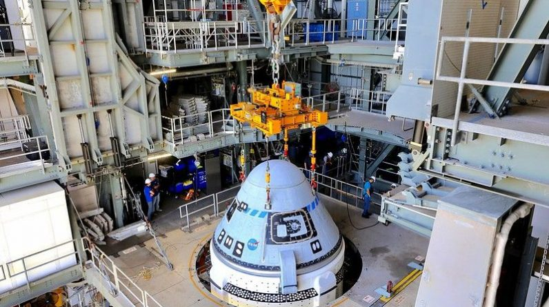 A nave espacial Starliner da Boeing acaba de se reunir com seu foguete para um lançamento de teste da NASA em 30 de julho