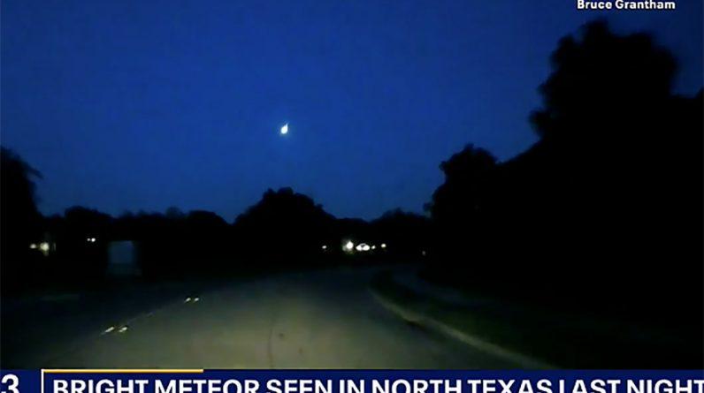 Fireball percorre o céu sobre o Texas