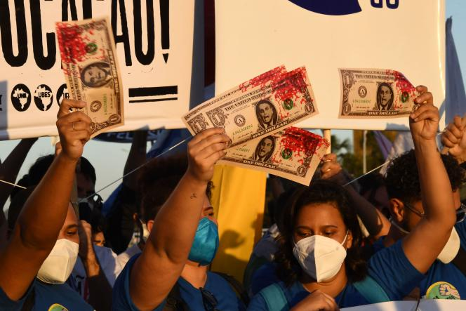Manifestação em frente ao Congresso Nacional, em Brasília, após o pedido de impeachment de Bolsonaro apresentado na Câmara dos Deputados, em 30 de junho de 2021.