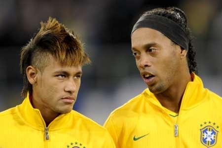 """Ronaldinho: """"Neymar é meu herdeiro"""""""