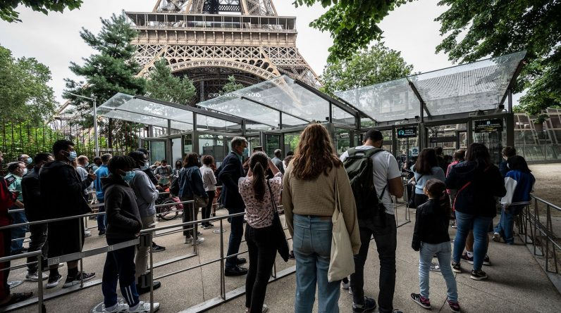 """""""Com 5,3 milhões de visitantes em Paris neste verão, somos menos de 50%"""""""