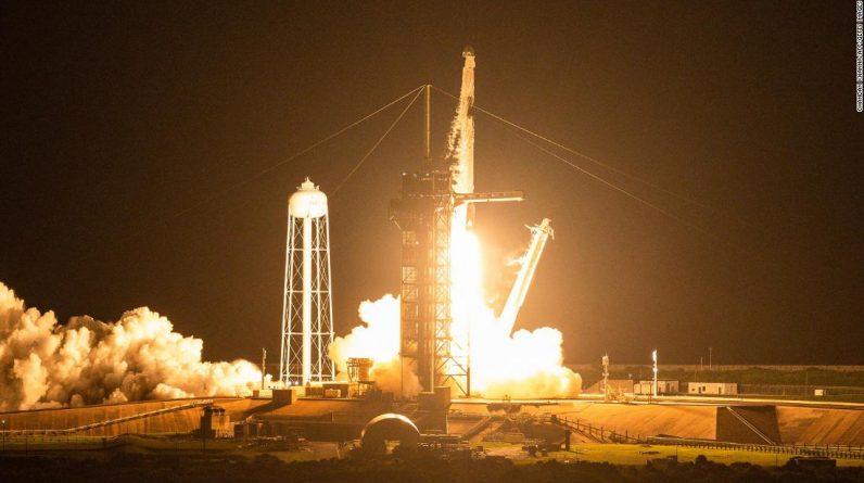 A SpaceX teve problemas a bordo de seu primeiro cruzeiro.  Poderia ter sido muito pior