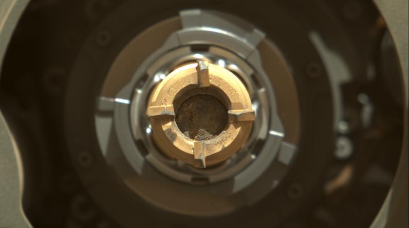 Parece que a perseverança do Mars rover capturou sua primeira amostra de rocha