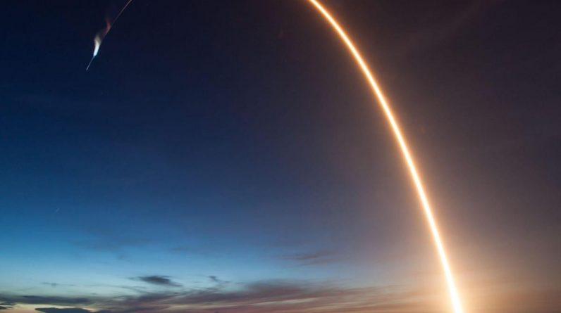 A espaçonave Dragon da SpaceX causou um boom sônico na Flórida após mergulhar no Atlântico, dizem os residentes