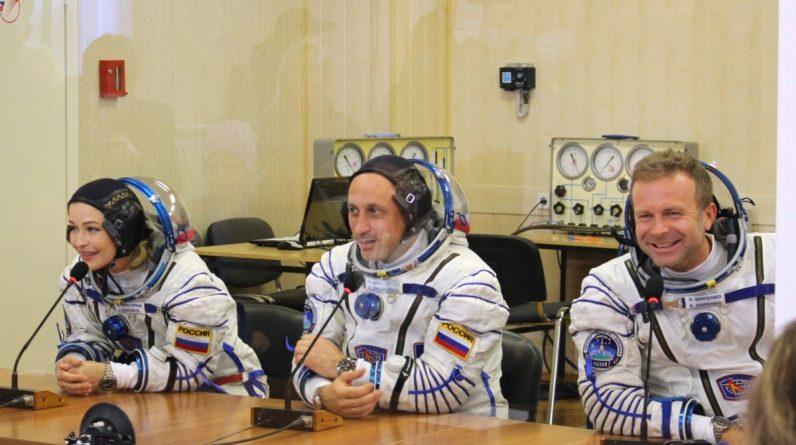Equipe de filmagem russa faz primeiro filme no espaço